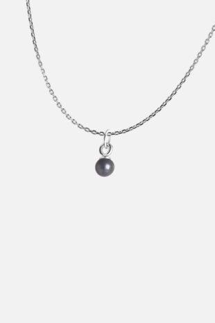 Ожерелье с маленькой жемчужиной
