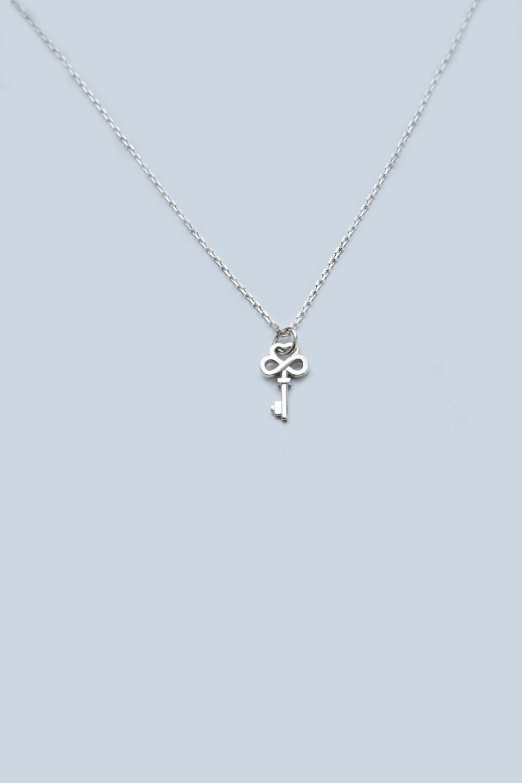 Ожерелье «Ключик бесконечность»